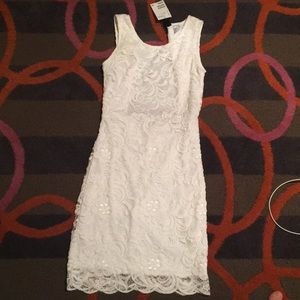 White lace open back dress - NEVER WORN W/tags